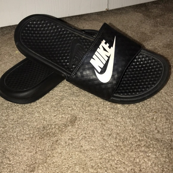 newest 09107 1ac53 Nike slip ons